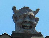 A head on top of the Town Hall